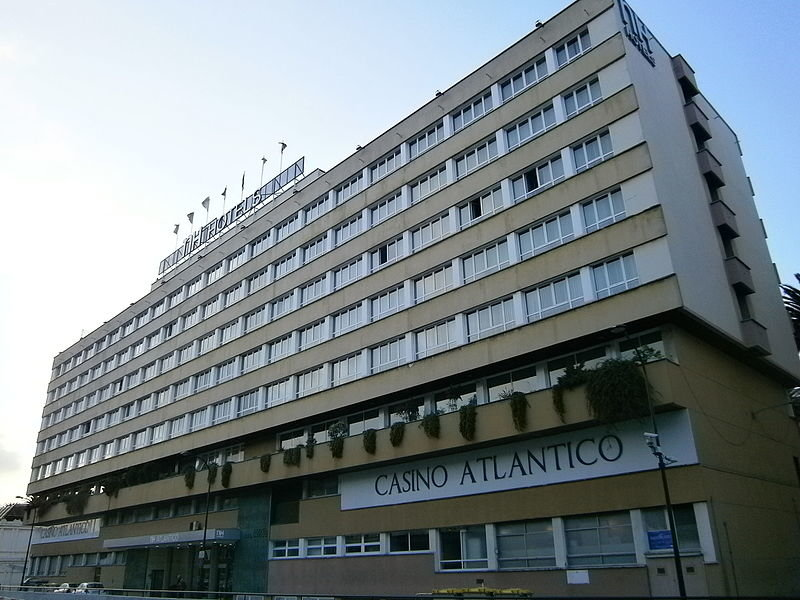 Vista exterior do Hotél Atlántico (foto Wikimedia Commons)