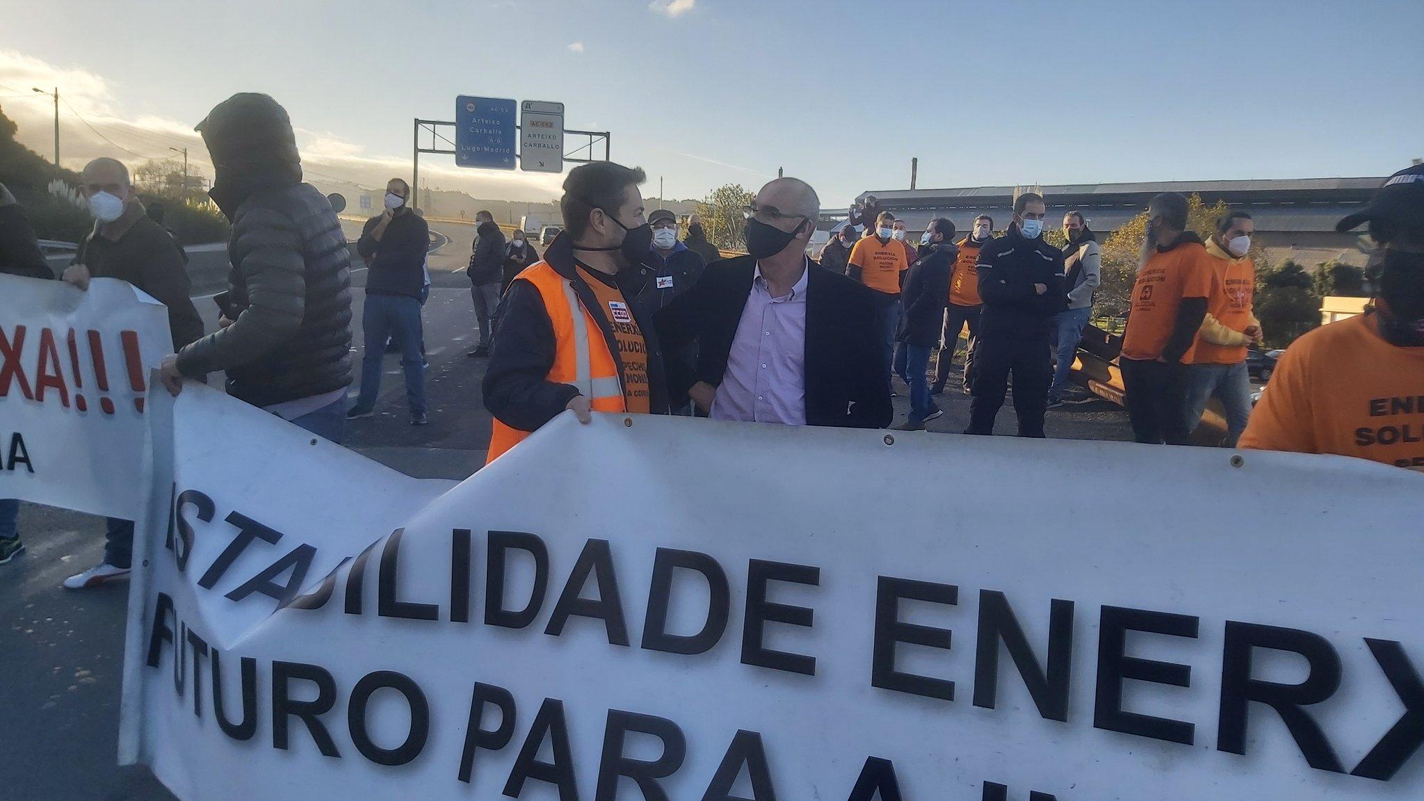 Jorquera na concentración de traballadores de Alu Ibérica. Décimo xoves consecutivo.